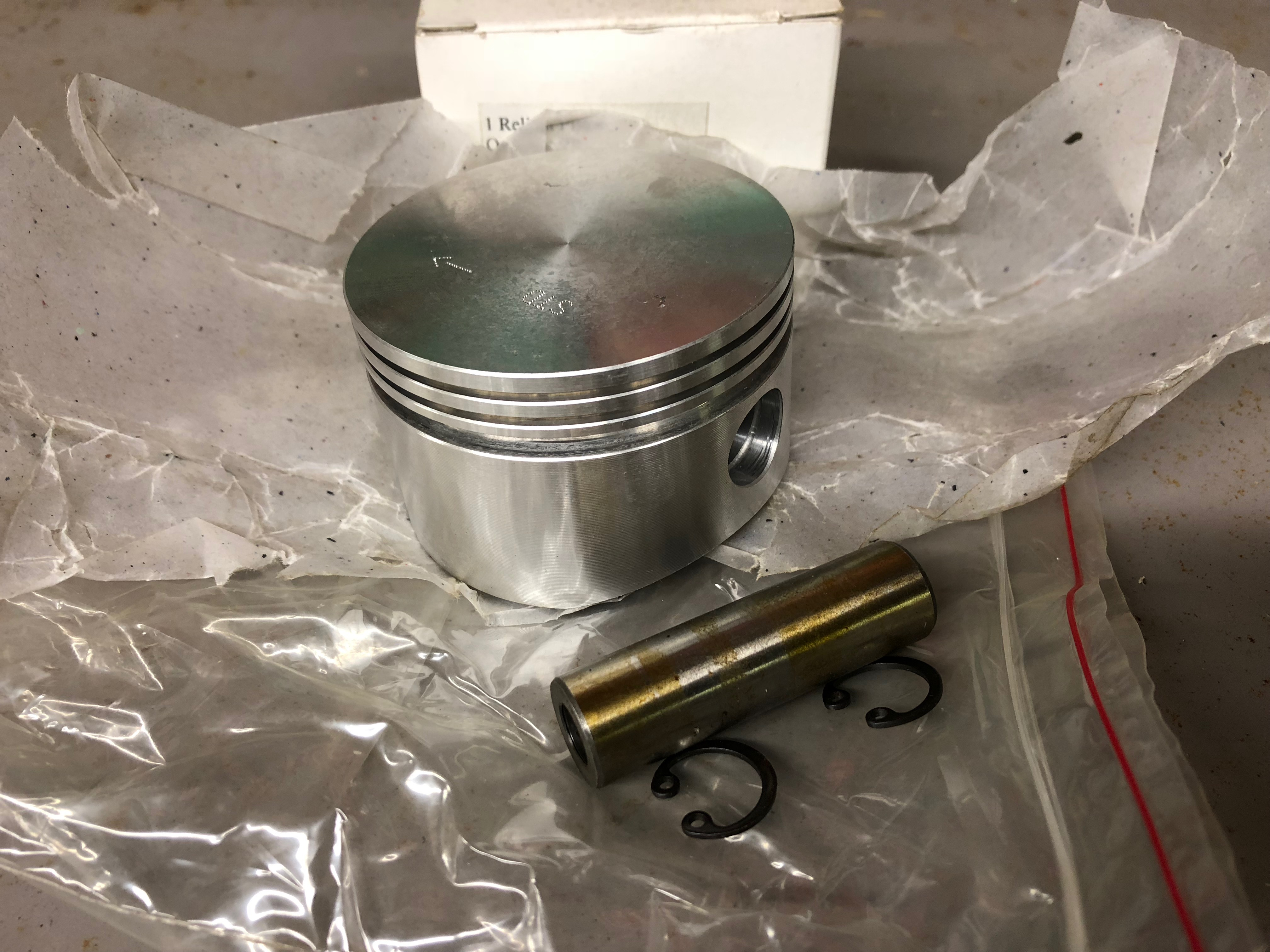 Piston set, 850cc